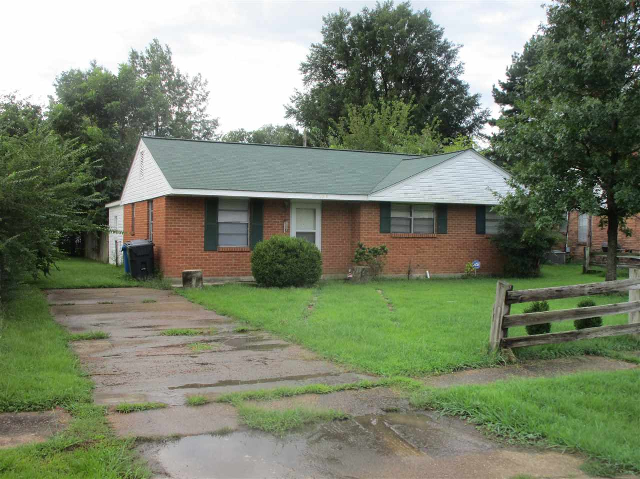 3211 Parkwood Jonesboro, AR 72401