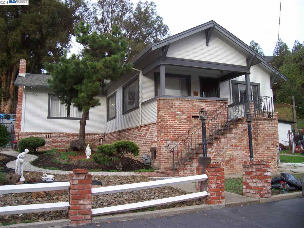 698 Overhill Dr Hayward, CA 94544