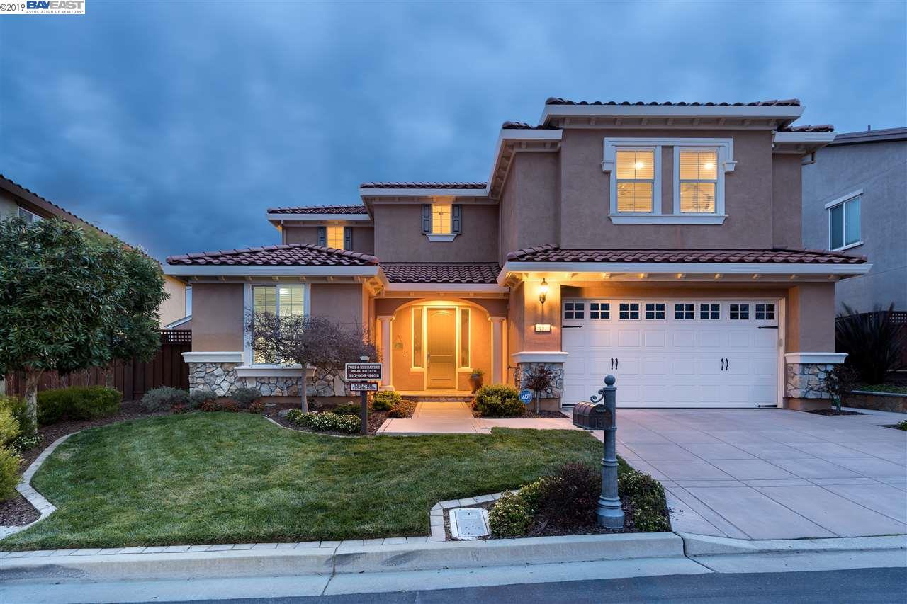 157 Roslea Rd Hayward, CA 94542