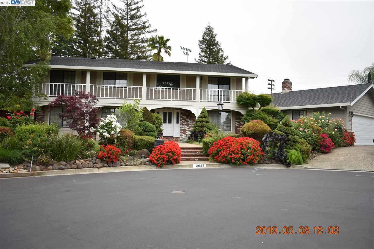 3685 Vista Charonoaks Walnut Creek, CA 94598