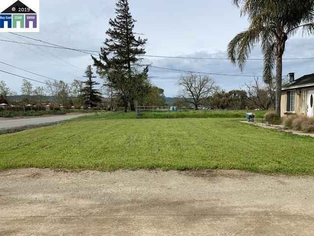 1565 E Middle Ave San Martin, CA 95046