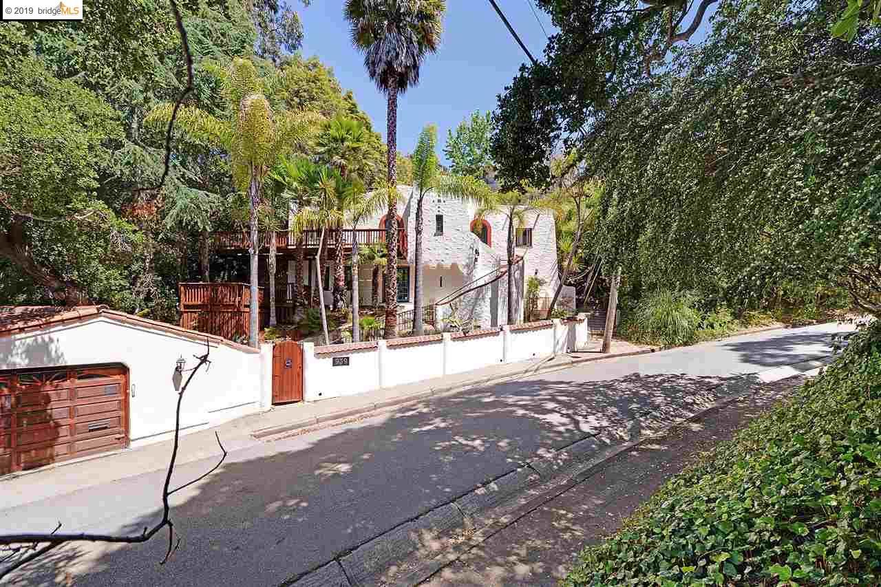 939 Portal Ave Oakland, CA 94610