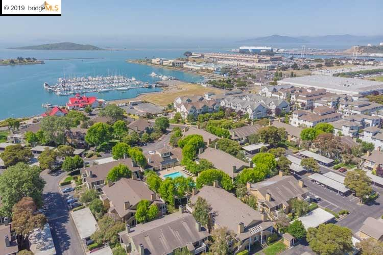 26 Schooner Ct Richmond, CA 94804