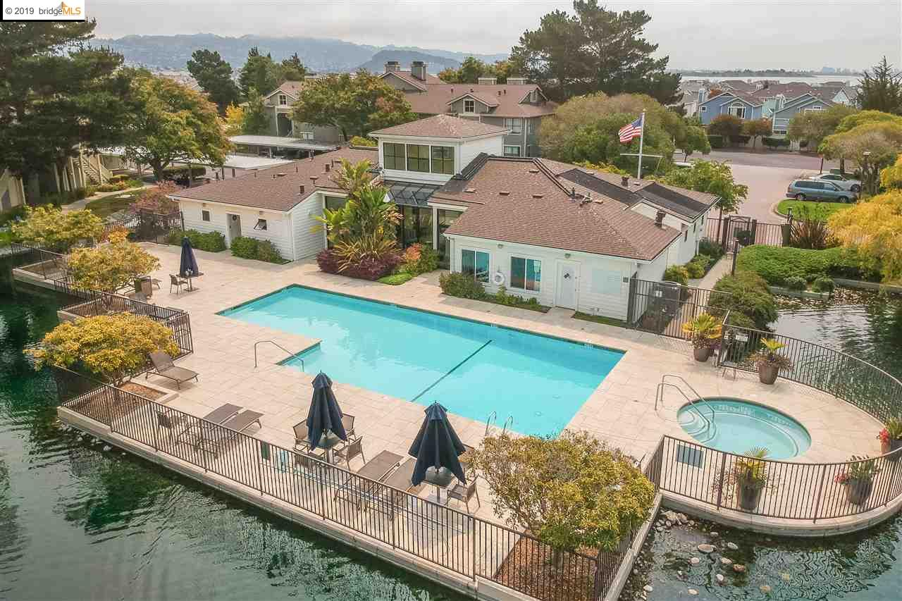 17 Lakeshore Ct Richmond, CA 94804
