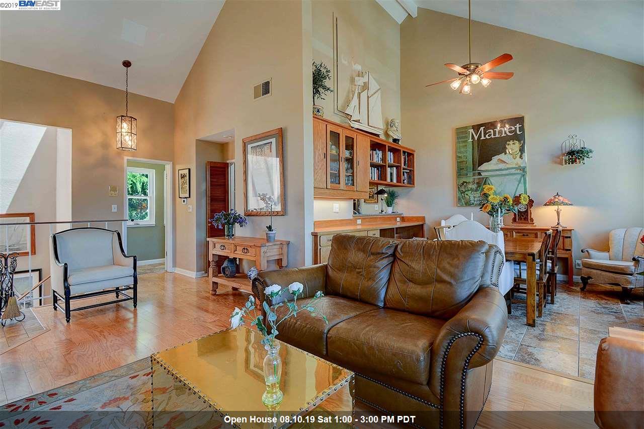 64 Mozden Ln Pleasant Hill, CA 94523