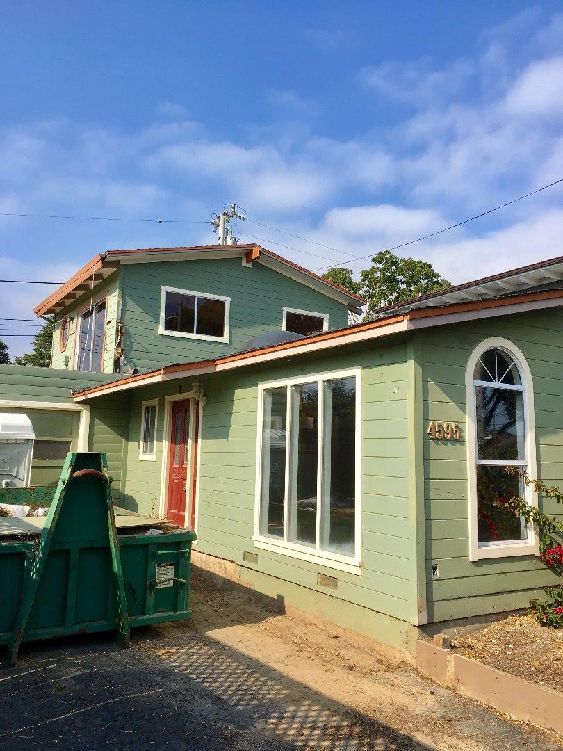 4595 Emerald Street Capitola, CA 95010