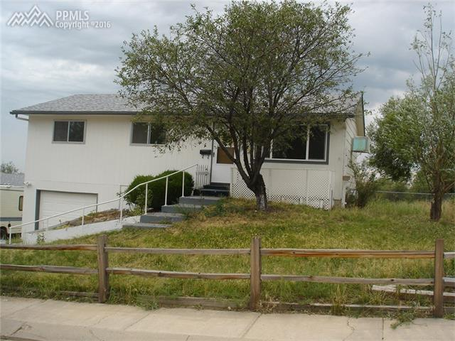 1277  Chiricahua Drive Colorado Springs, CO 80915