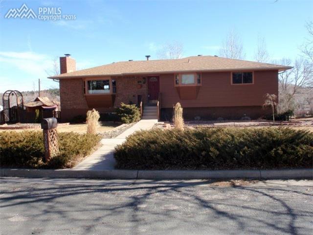 2205  Sussex Lane Colorado Springs, CO 80909