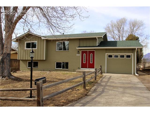 524  Rowe Lane Colorado Springs, CO 80911
