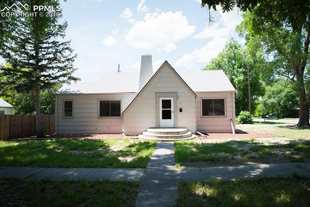 928 Bonfoy Avenue Colorado Springs, CO 80909