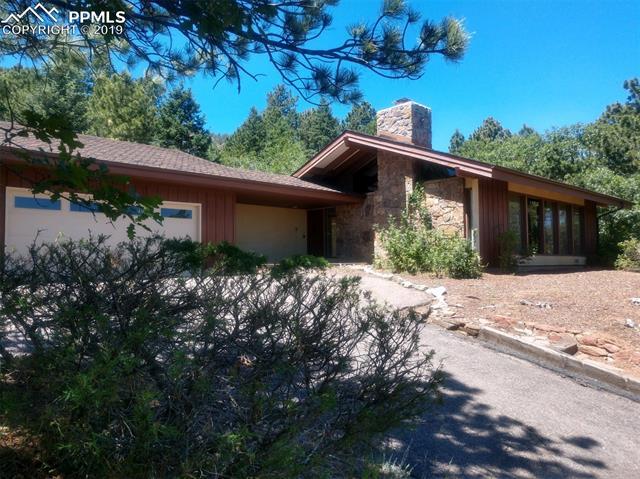 32 Upland Road Colorado Springs, CO 80906