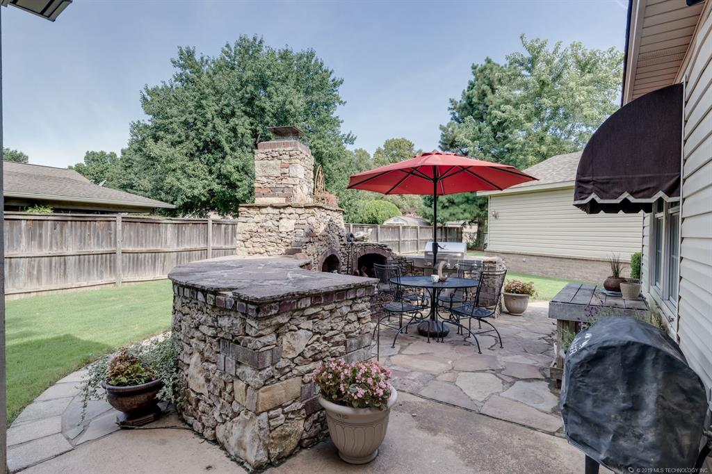 8104 S Ash Avenue Broken Arrow, Ok 74011