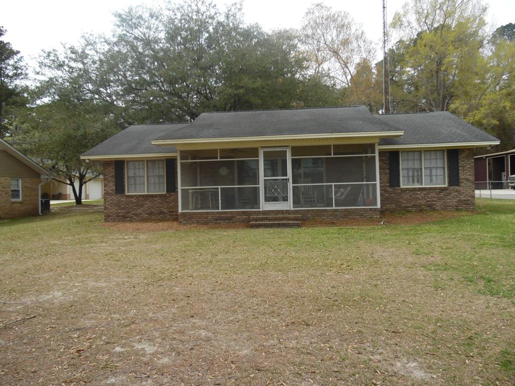 1591 Clubhouse Road Summerton, SC 29148
