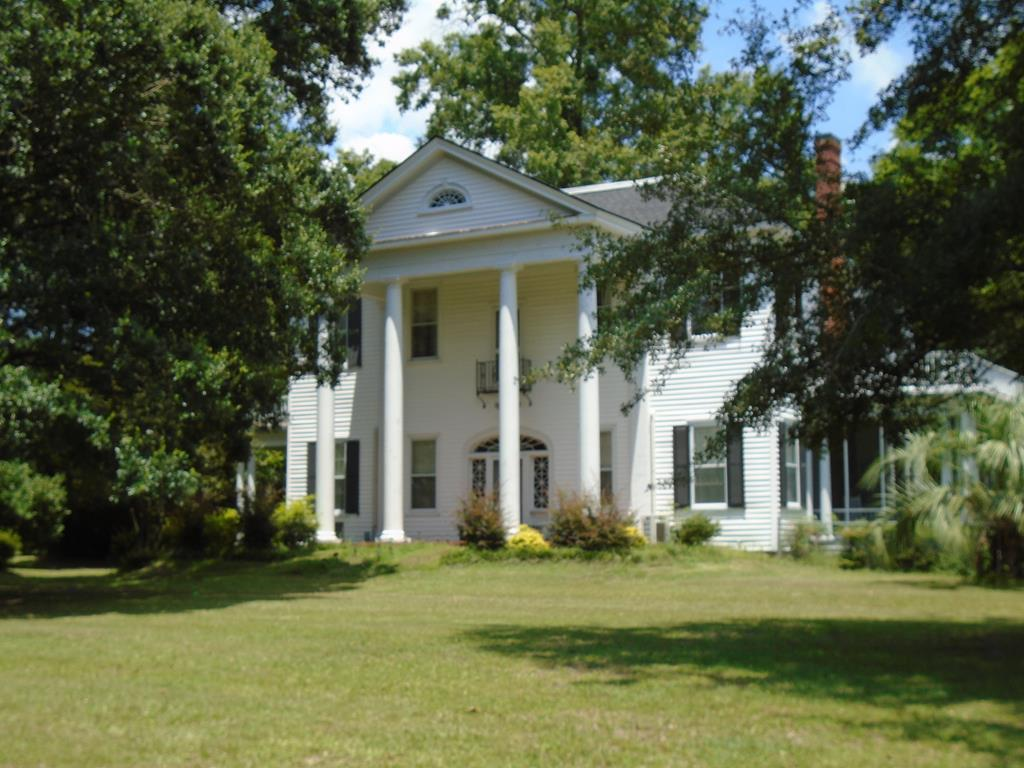 307 Old Georgetown Road Manning, SC 29102
