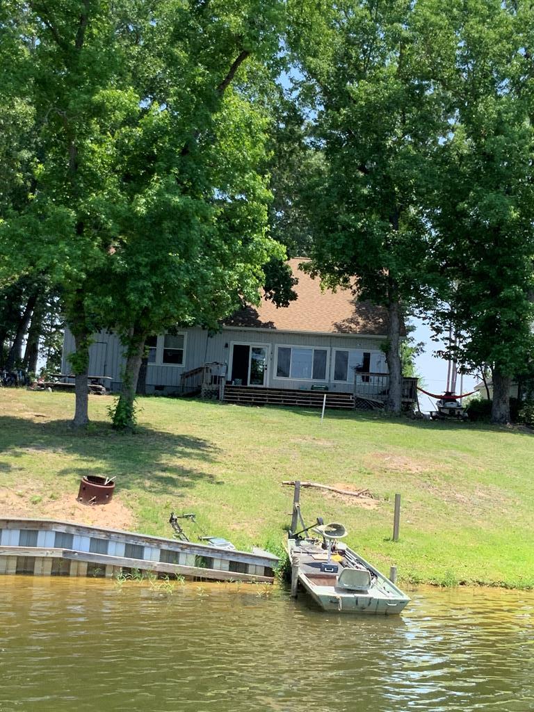 1394 Lake Shore Dr Manning, SC 29102