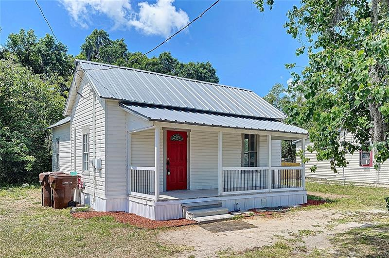 708 NW 3rd Street Mulberry, FL 33860