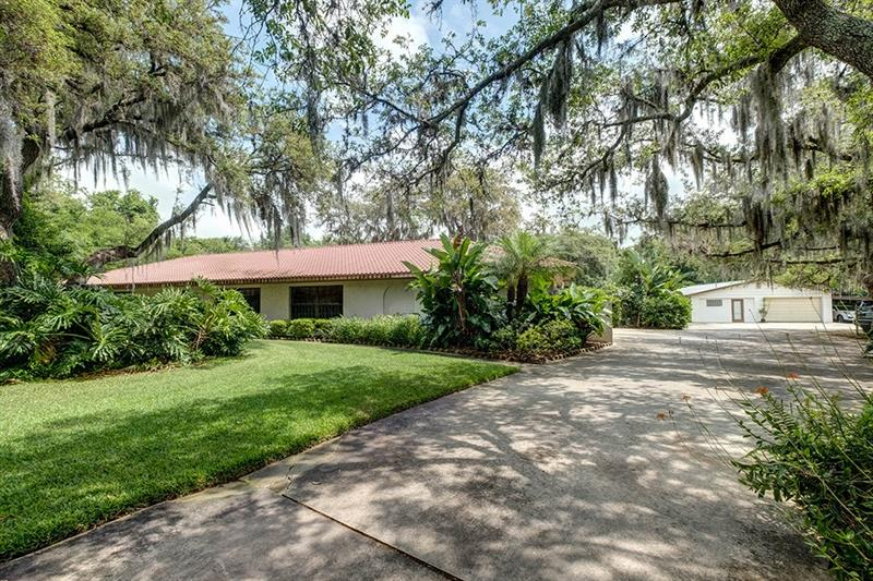 1901 Broken Arrow Trail Lakeland, FL 33813
