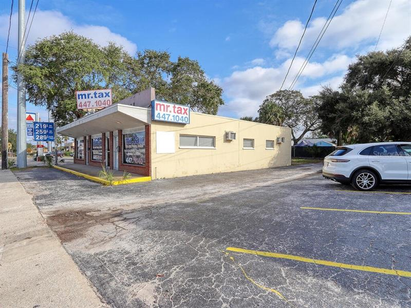1311 S Missouri Avenue Clearwater, FL 33756