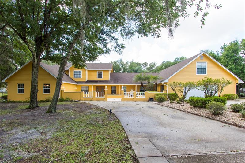 4902 Log Cabin Drive Lakeland, FL 33810