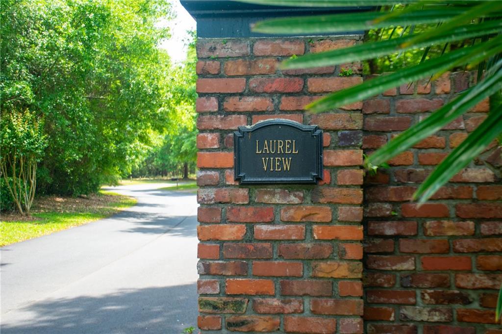 121 Laurel View Drive St. Simons Island, GA 31522