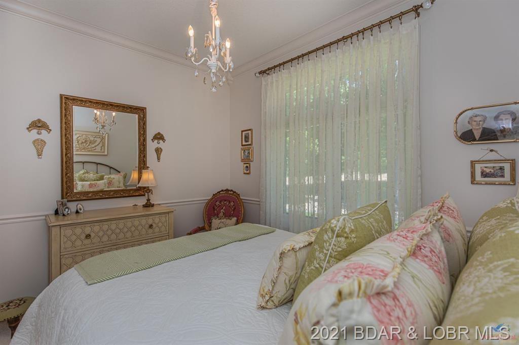 21715 Isabella Court Warsaw, MO 65355