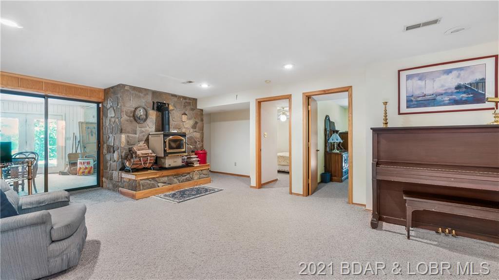6725 Horseshoe Bend Parkway Lake Ozark, MO 65049