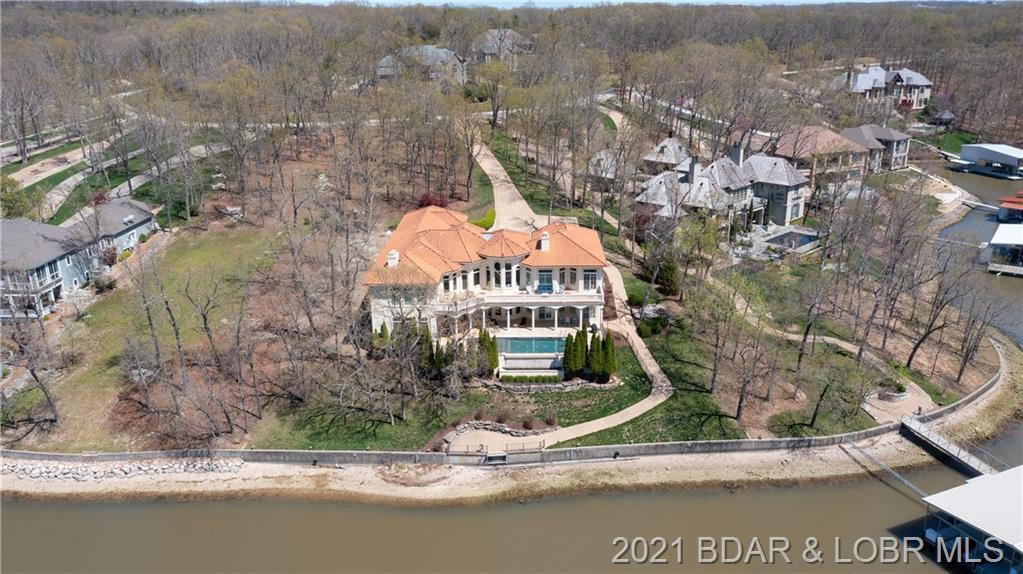 279 Grey Oak Drive Sunrise Beach, MO 65079