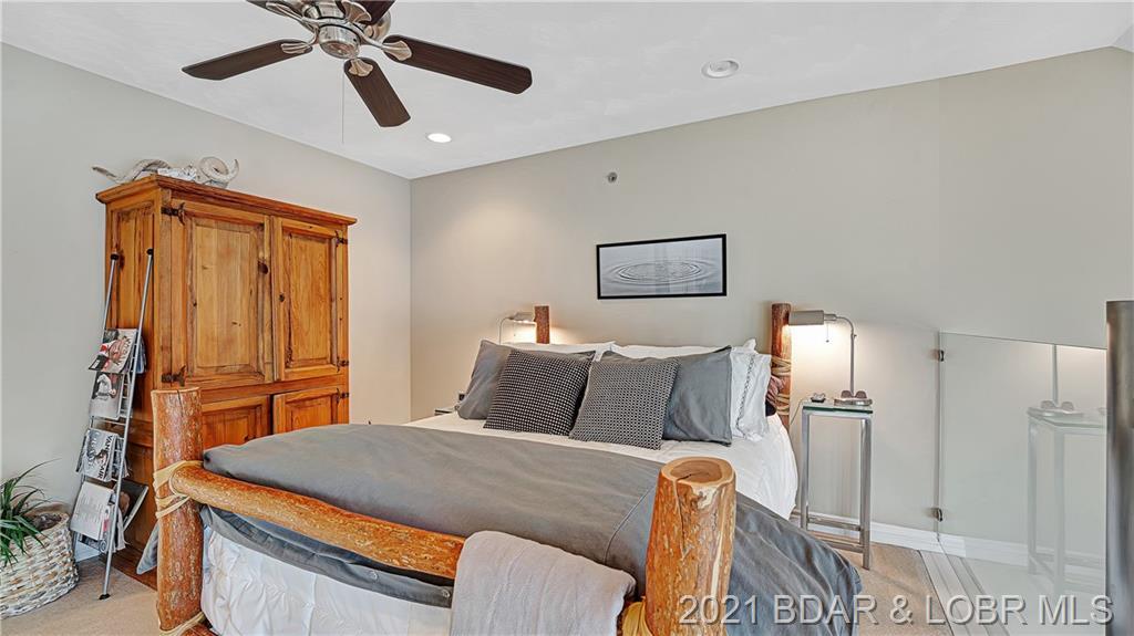 1255 Jeffries Road UNIT #52 Osage Beach, MO 65065