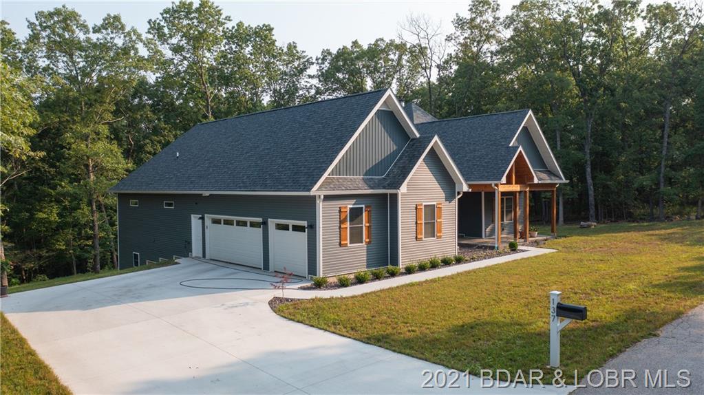 137 New Meadows Avenue Linn Creek, MO 65052