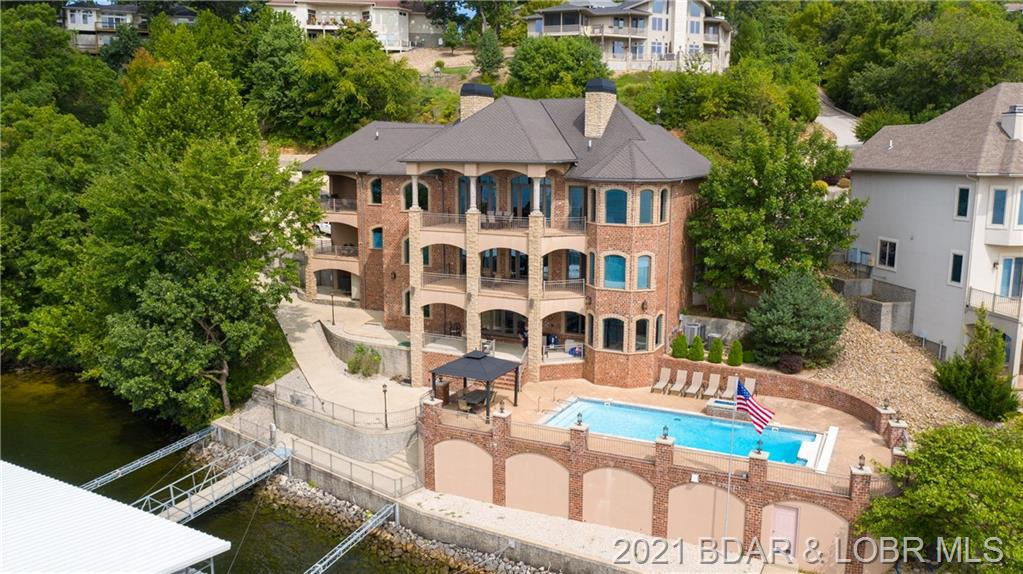 1107 Beacon Pointe Circle Lake Ozark, MO 65049