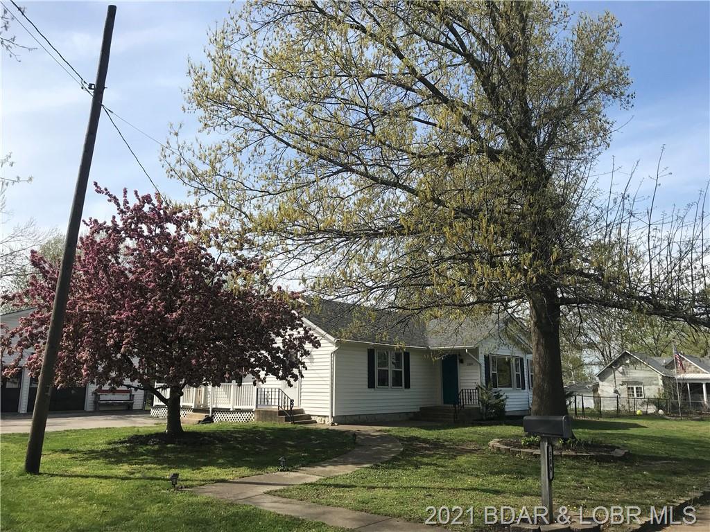 509 N Monroe Street Versailles, MO 65084