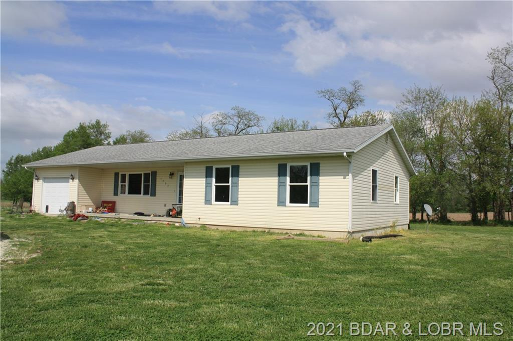 1982 County Road 1220, Moberly Mo Out Of Area, MO 65270