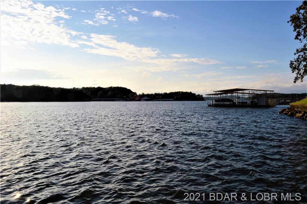 710 Waterfowl Road Linn Creek, MO 65052