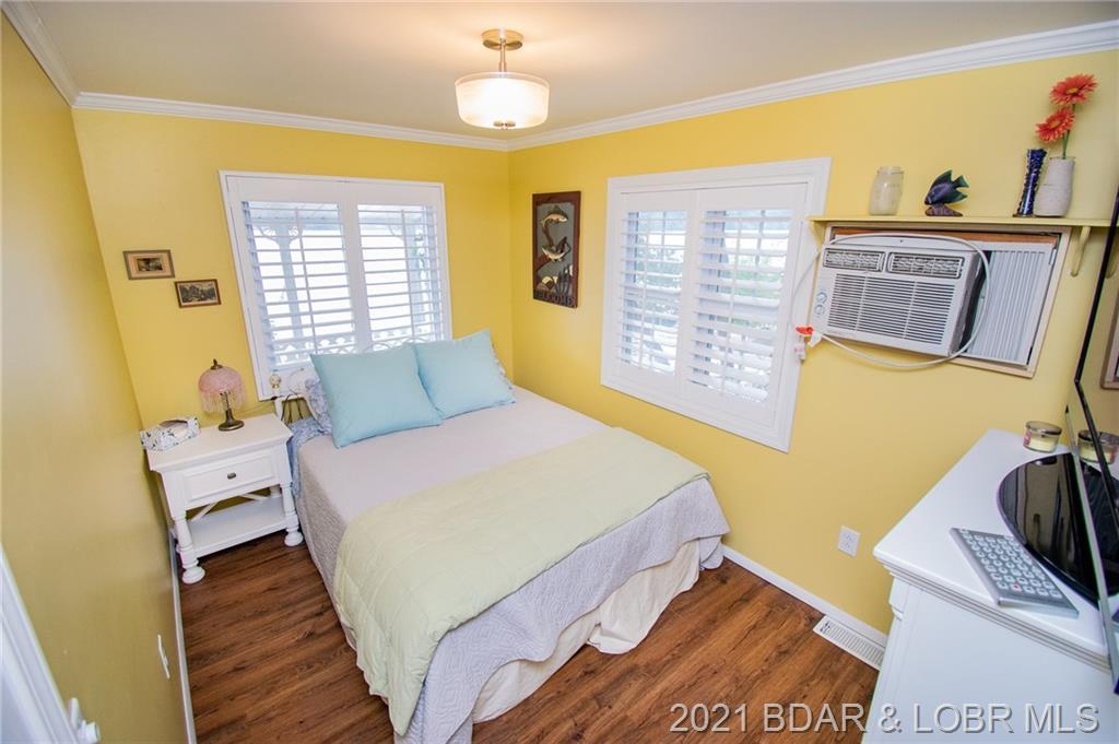 27612 Golden Point Court Barnett, MO 65011