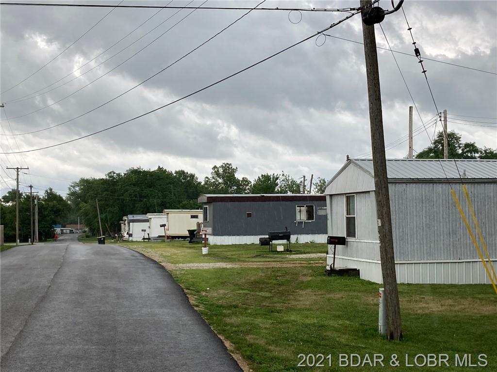 618 W Clay Road Versailles, MO 65084