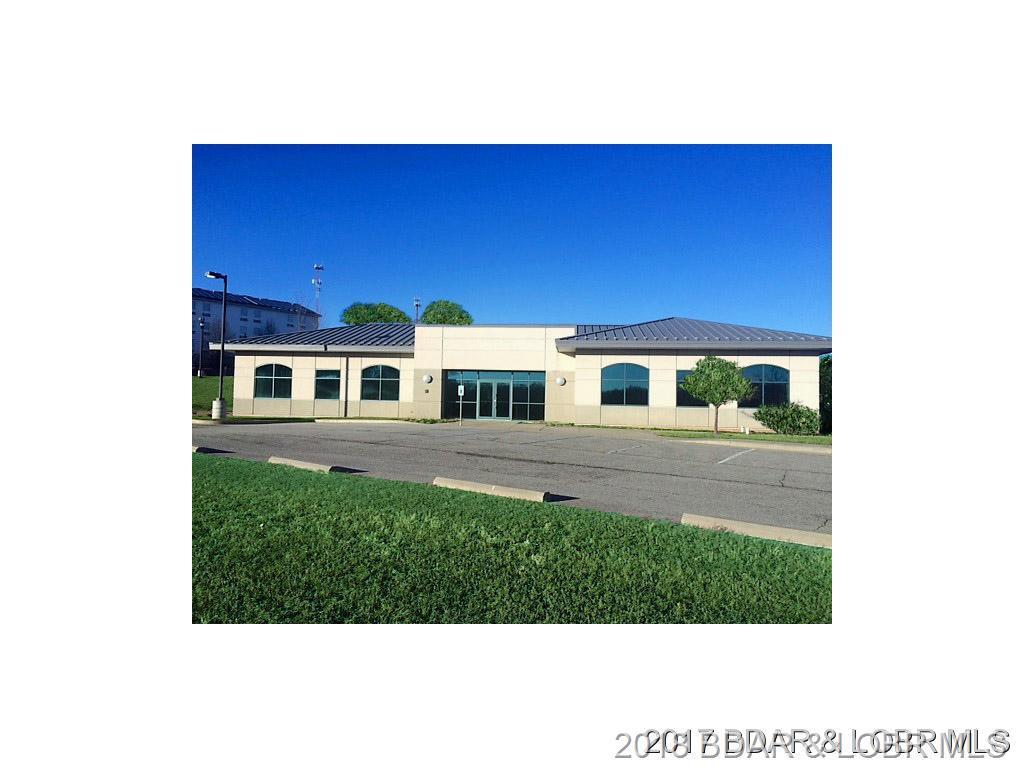 5751 Parkside Village Court Osage Beach, MO 65065