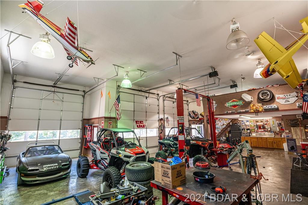 201 Hendrix Haven Gravois Mills, MO 65037