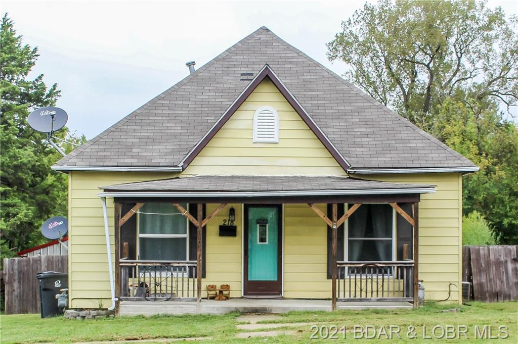 218 W Chicago Avenue Out Of Area, MO 64658