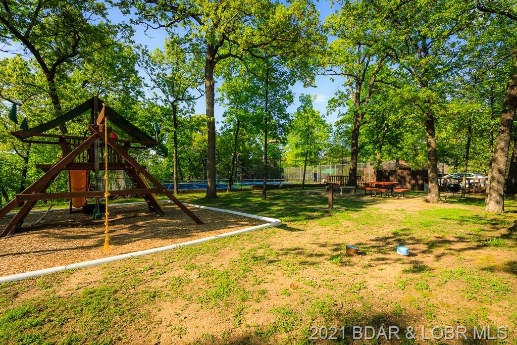 5940 Baydy Peak Road UNIT #432 Osage Beach, MO 65065
