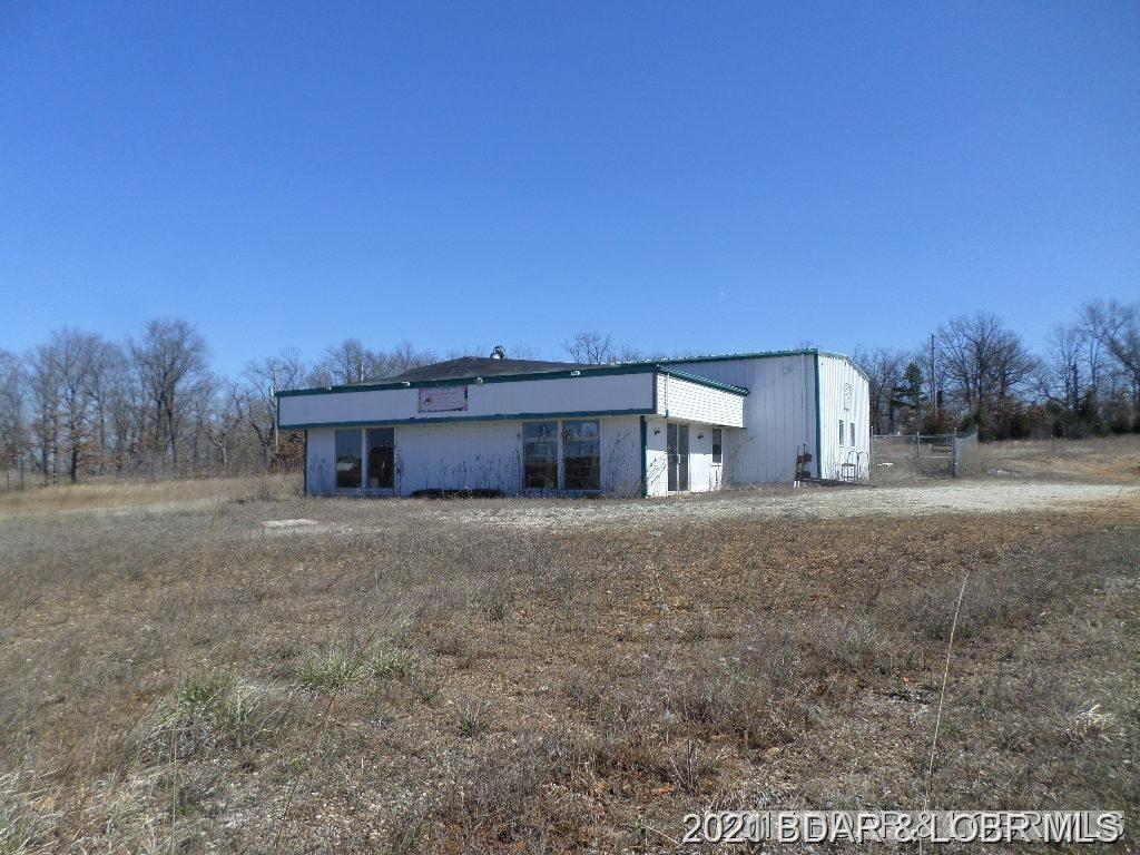 9038 North State Hwy Camdenton, MO 65020