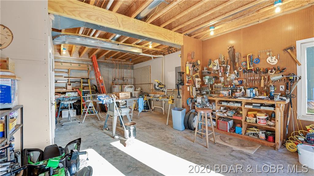 83 Old Schoolhouse Cove Roach, MO 65787