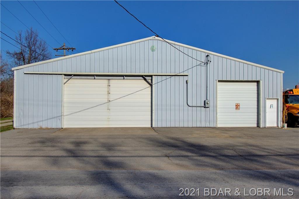 112 N Moreau Avenue Tipton, MO 65081
