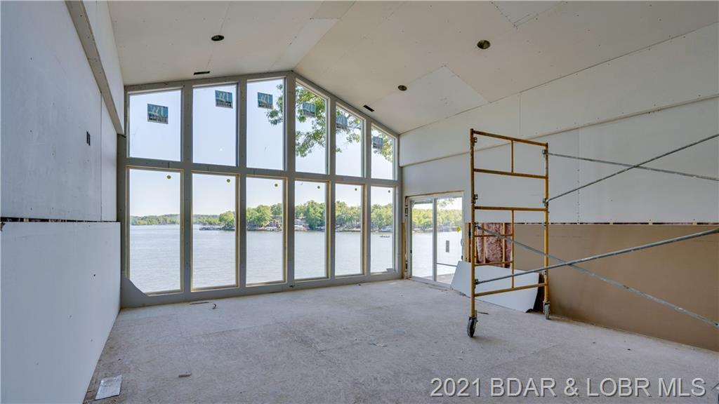 32095 Five Oaks Drive Gravois Mills, MO 65037