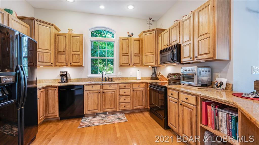 158 Windjammer Estates Drive Lake Ozark, MO 65049