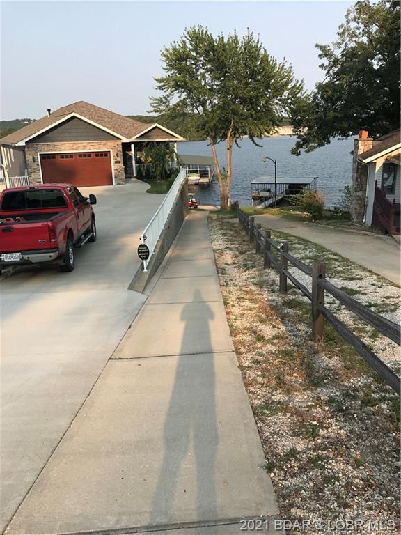 9 Fox Cove Lane Camdenton, MO 65020