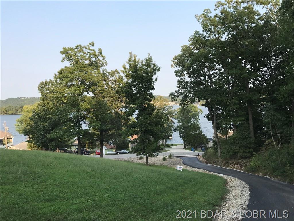 6 Fox Cove Lane Camdenton, MO 65020