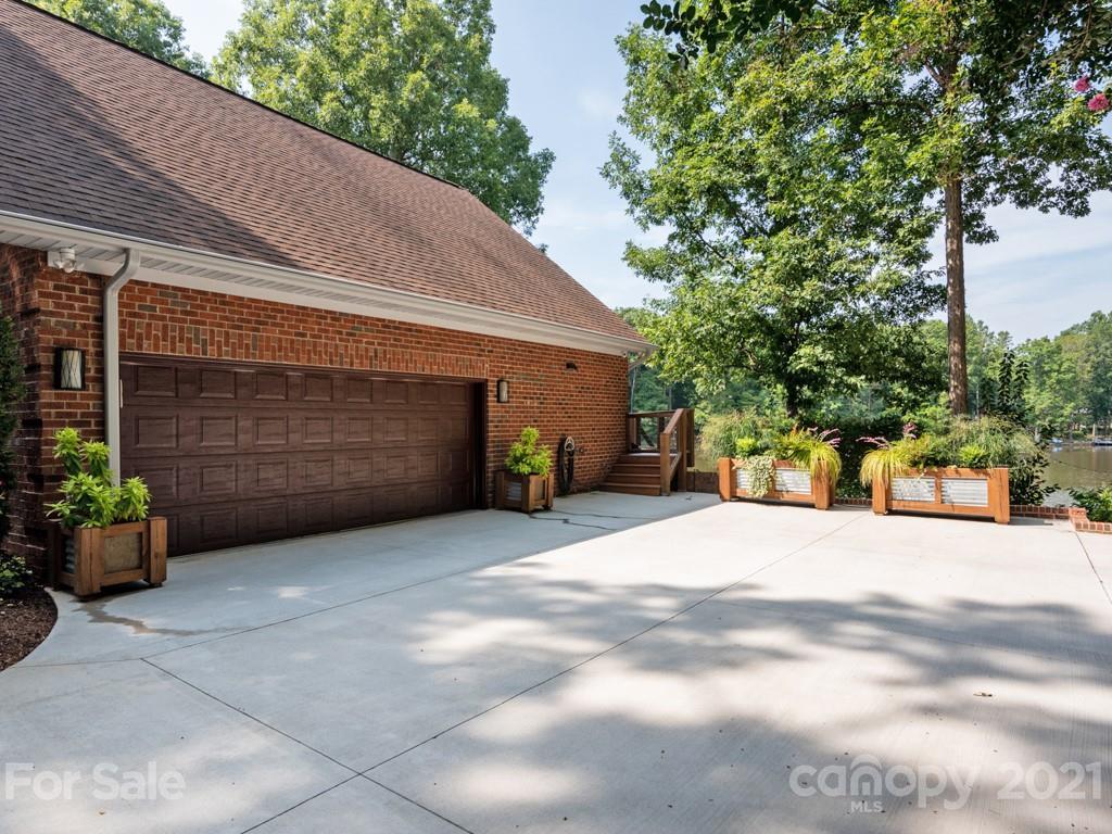 6033 Oakridge Court Weddington, NC 28104