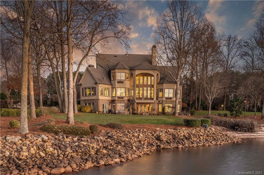 8343 Norman Estates Drive Denver, NC 28037