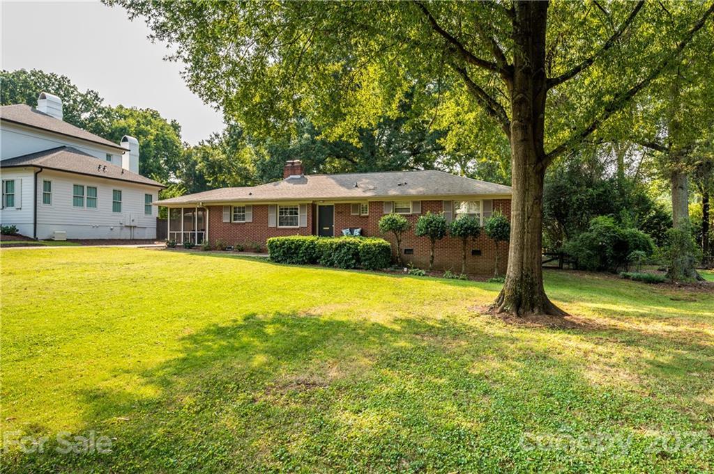 300 Heathwood Road Charlotte, NC 28211