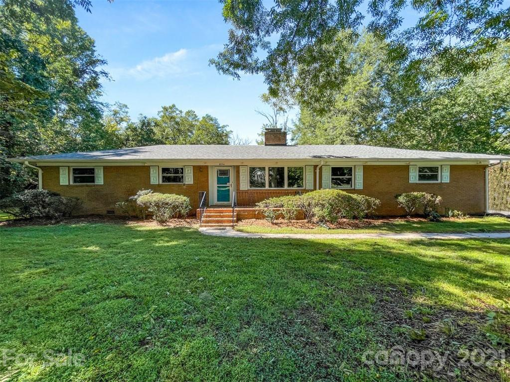 8334 Knollwood Circle Charlotte, NC 28213